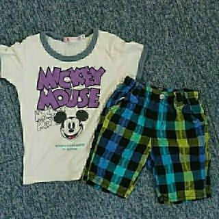 ユニクロ(UNIQLO)のユニクロミッキーTシャツ&ハーフパンツ(100)セット売り。(パンツ/スパッツ)
