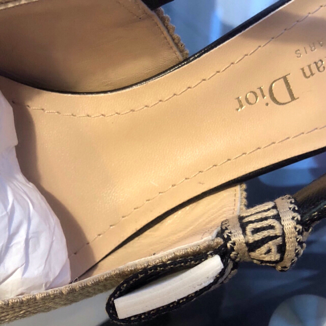 Dior(ディオール)の新品未使用 2020SS ディオール スリングバック パンプス レディースの靴/シューズ(ハイヒール/パンプス)の商品写真