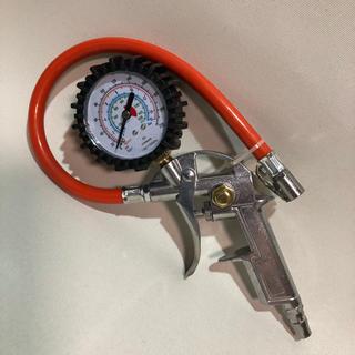 自動車エアーゲージ、コンプレッサー用エアーゲージエアーコンプ車空気入、オレンジ(メンテナンス用品)