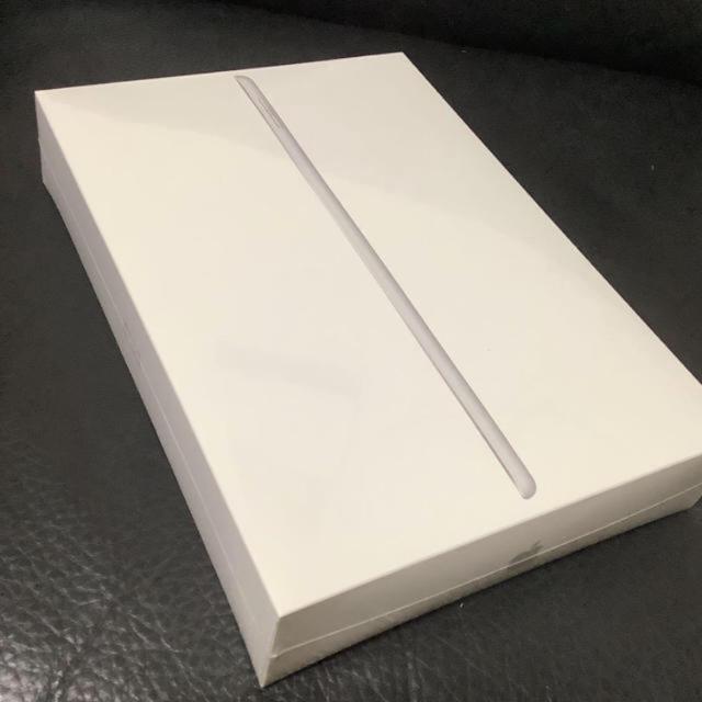 Apple(アップル)のApple iPad 第7世代 Wi-Fiモデル 32GB シルバー スマホ/家電/カメラのPC/タブレット(タブレット)の商品写真
