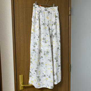 チャオパニック(Ciaopanic)の花柄 ワイドパンツ ホワイト(カジュアルパンツ)