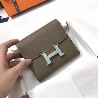 Hermes - エルメスコンスタンスコンパクト財布エトゥープシルバー金具