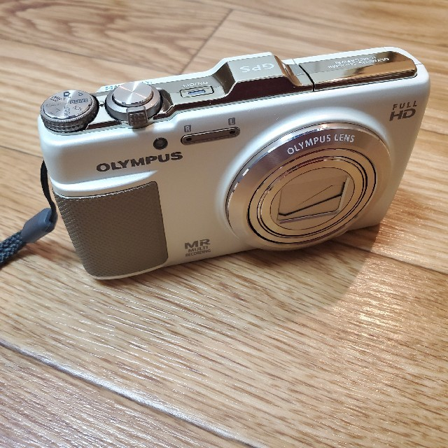 OLYMPUS(オリンパス)のOLYMPUS デジカメ オリンパス SH SH-25MR WHITE スマホ/家電/カメラのカメラ(コンパクトデジタルカメラ)の商品写真