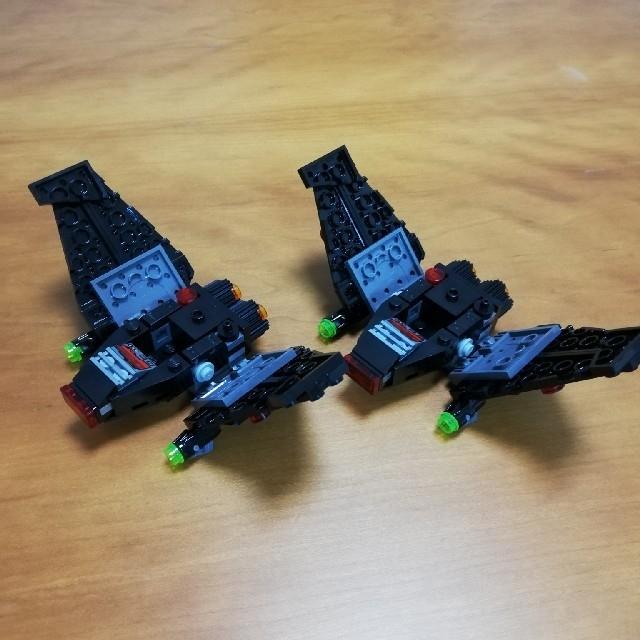 Lego(レゴ)のレゴ スターウォーズ カイロ・レンのコマンド・シャトル 2機 エンタメ/ホビーのおもちゃ/ぬいぐるみ(その他)の商品写真