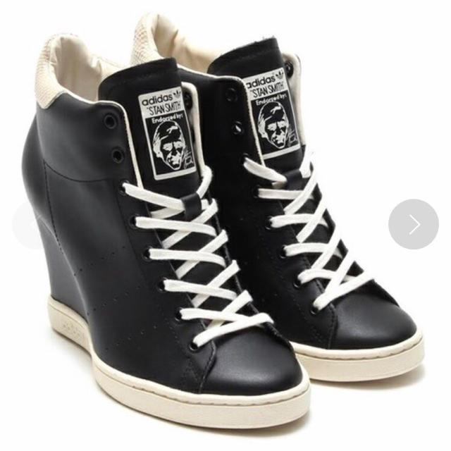 adidas(アディダス)のタグ付き 新品 adidas スタンスミス アップ ウーマン ブラック 23.5 レディースの靴/シューズ(スニーカー)の商品写真