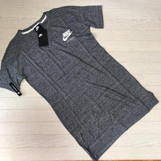 NIKE - 新品 NIKE ナイキ Tシャツ ワンピース