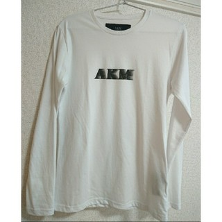 エイケイエム(AKM)のAKM  ロングTシャツ ロゴプリント メンズ 長袖 ホワイト 白 エイケイエム(Tシャツ/カットソー(七分/長袖))