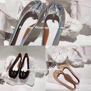 アパルトモンドゥーズィエムクラス(L'Appartement DEUXIEME CLASSE)の足袋 バレエシューズ  フラットシューズ (バレエシューズ)