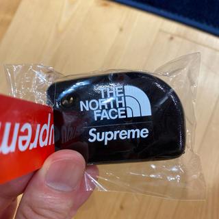 Supreme - supreme north キーホルダー