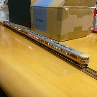 カトー(KATO`)のキハ82系 4両セット(鉄道模型)