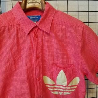 アディダス(adidas)のadidas originals トレフォイルプリント入り チェック柄半袖シャツ(シャツ)