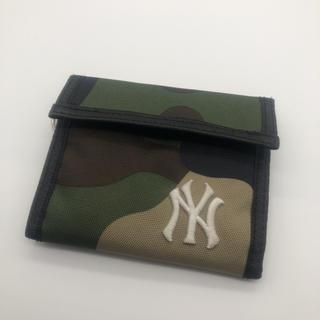 即決 ニューヨークヤンキース 二つ折り財布 迷彩 CORDURA(折り財布)