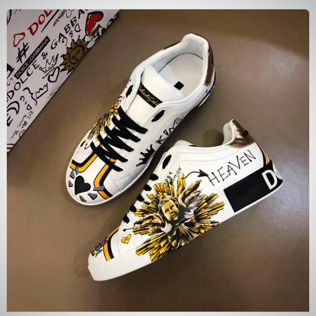 DOLCE&GABBANA(ドルチェアンドガッバーナ)の新品未使用ホワイトシューズ メンズの靴/シューズ(その他)の商品写真