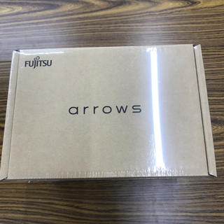 アローズ(arrows)のシムフリー arrows M03 (FARM06104)ピンク(スマートフォン本体)