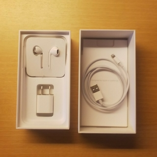 Apple - iPhone 7 箱&付属品(一部新品)