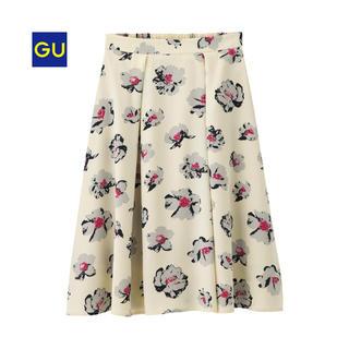 GU - 美品 GU イージーフレアスカート(フラワー)ホワイト Sサイズ