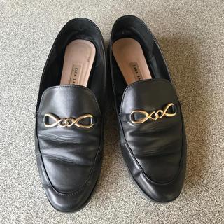 ザラ(ZARA)の【6月末まで!!】 ZARA フラットシューズ(ローファー/革靴)