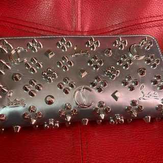 クリスチャンルブタン(Christian Louboutin)の正規品 クリスチャンルブタン(長財布)