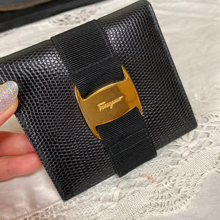 Salvatore Ferragamo - サルヴァトーレフェラガモ  ヴァラ リザード 折財布 二つ折り財布 ブラック