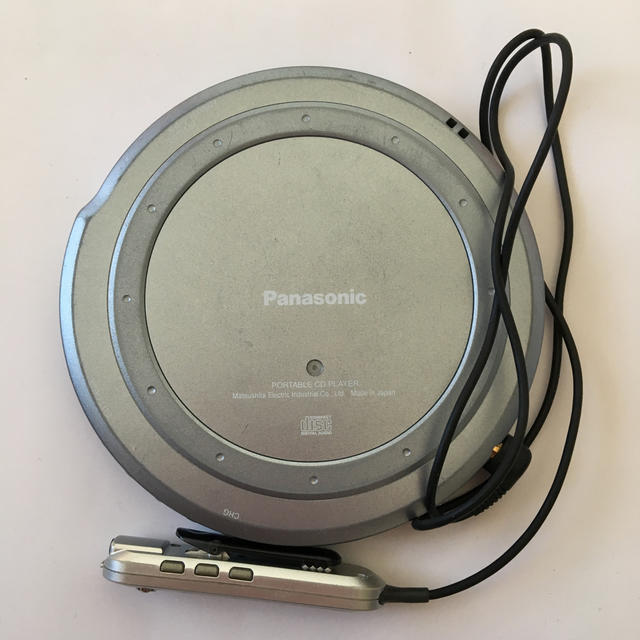 Panasonic(パナソニック)のcdプレイヤー ジャンク スマホ/家電/カメラのオーディオ機器(ポータブルプレーヤー)の商品写真