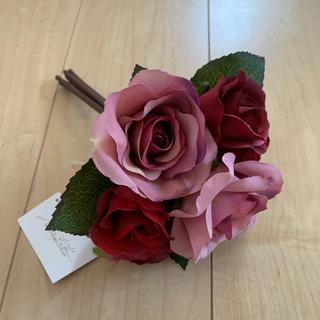 ミツコシ(三越)の薔薇アレンジメントフラワー★イトキン★エミリオロバ★今年百貨店購入(プリザーブドフラワー)