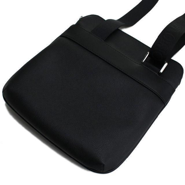 Emporio Armani(エンポリオアルマーニ)のEMPORIO ARMANI ショルダーバッグ フラット Y4M185 ブラック メンズのバッグ(ショルダーバッグ)の商品写真