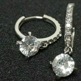 スワロフスキー(SWAROVSKI)のfc12❇️フリージア❇️4本爪 スワロフスキー & ダイヤモンドCZ ピアス(ピアス)