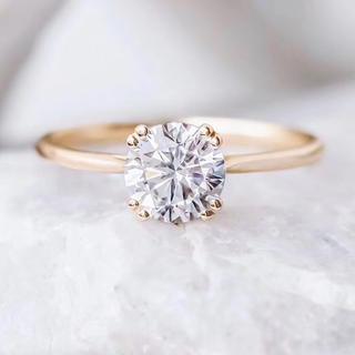 【newデザイン】輝くモアサナイト  ダイヤ リング(リング(指輪))