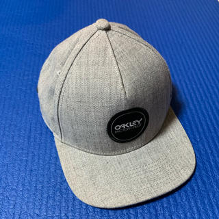 オークリー(Oakley)のOakley cap 支給品 美品(キャップ)