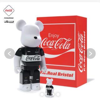 エフシーアールビー(F.C.R.B.)のBE@RBRICK F.C.Real Bristol × COCA-COLA(その他)
