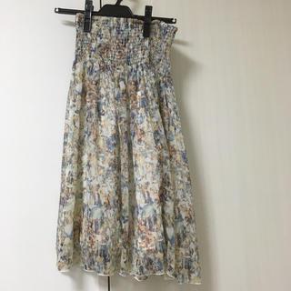 ジーユー(GU)のGU 柄スカート(ひざ丈スカート)