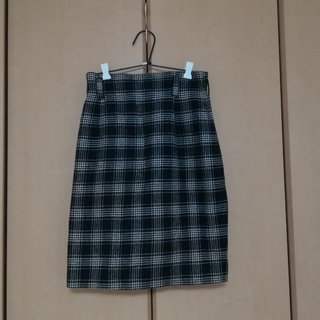 ロキエ(Lochie)のチェック柄タイトスカート(ひざ丈スカート)