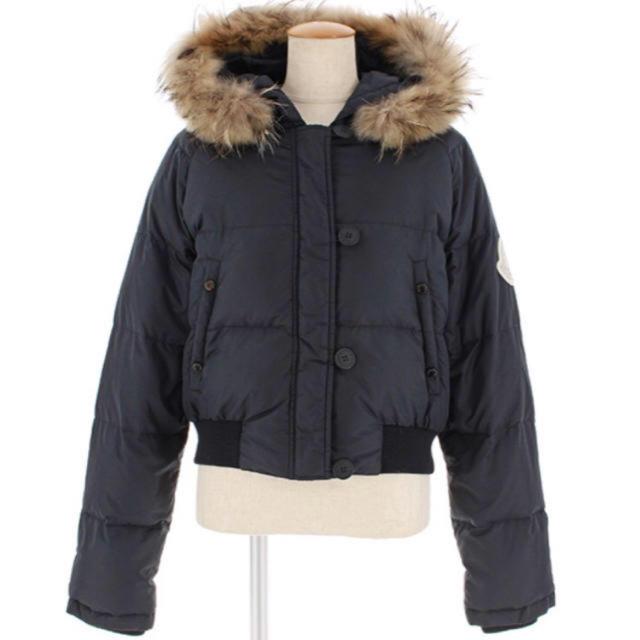 MONCLER(モンクレール)の6月上旬まで激安 美品 モンクレール ダウン レディースのジャケット/アウター(ダウンジャケット)の商品写真