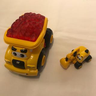 トイザラス(トイザらス)のCAT ダンプカー プルバックショベルカー セット(電車のおもちゃ/車)