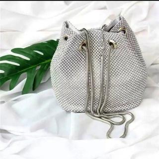 ZARA - シルバー巾着バック メタリックバッグ ストーン キラキラドロストバッグ
