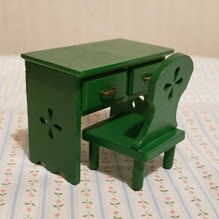 シルバニアファミリー 初期緑の家具 机&椅子セット 日本製