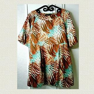 イーブス(YEVS)のYVES イーブス バルーン袖裾ボタニカル チュニック Sサイズ(チュニック)