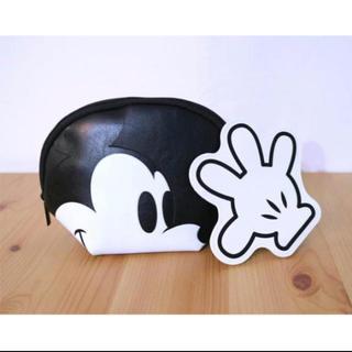 ディズニー(Disney)のミッキーマウス フェイスポーチと手の形のポーチ2個セット(ポーチ)