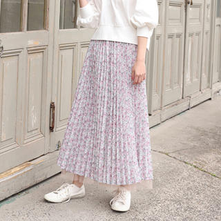 NICE CLAUP - 花柄 プリーツスカート