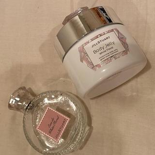 ジルスチュアート(JILLSTUART)のジルスチュアート ホワイトフローラル 香水 ボディージェリー(ボディローション/ミルク)