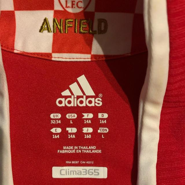 adidas(アディダス)のリバプール ユニフォーム スポーツ/アウトドアのサッカー/フットサル(ウェア)の商品写真