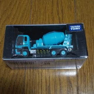 タカラトミー(Takara Tomy)のトミカ トミカリミテッド ISUZU GIGA MIXER(UBE)ミキサー車(ミニカー)