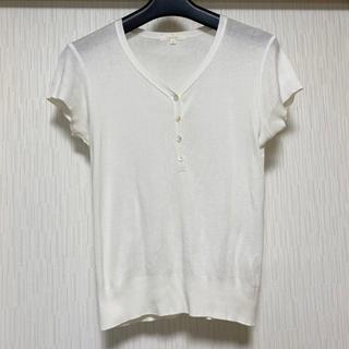 アマカ(AMACA)のAMACA ボタンデザインカットソー(カットソー(半袖/袖なし))