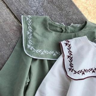 【新品】刺繍トップス