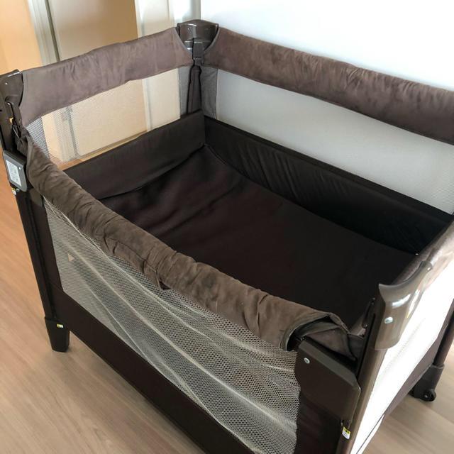 Aprica(アップリカ)のアップリカ ココネルエアープラス キッズ/ベビー/マタニティの寝具/家具(ベビーベッド)の商品写真