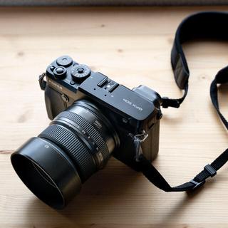 フジフイルム(富士フイルム)のFUJIFILM GFX50R + GF63mm F2.8 R WR(ミラーレス一眼)