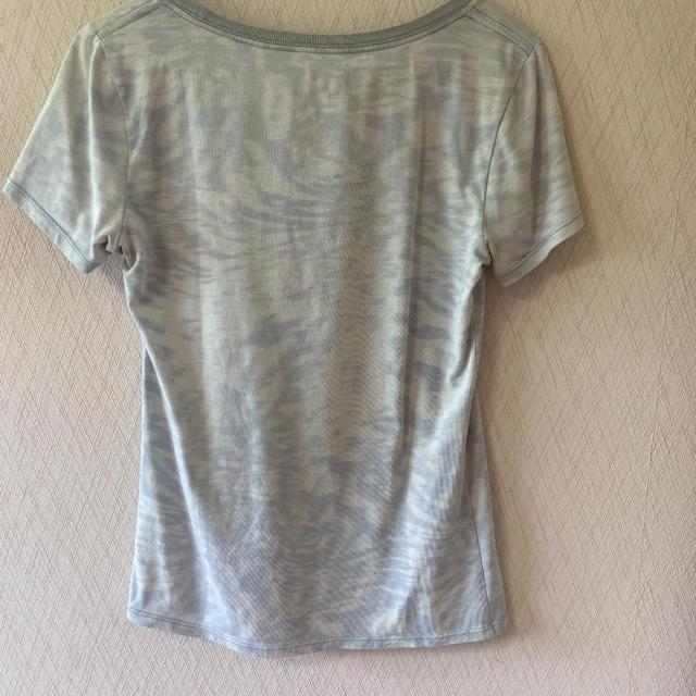 NIKE(ナイキ)のNIKE ティシャツ レディースのトップス(Tシャツ(半袖/袖なし))の商品写真