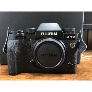 フジフイルム(富士フイルム)のFujifilm X T-2 グリップ、予備バッテリー付き(ミラーレス一眼)