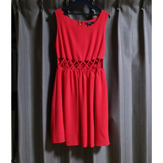 フォーエバートゥエンティーワン(FOREVER 21)の【美品】ワンピース ドレス 赤(ひざ丈ワンピース)
