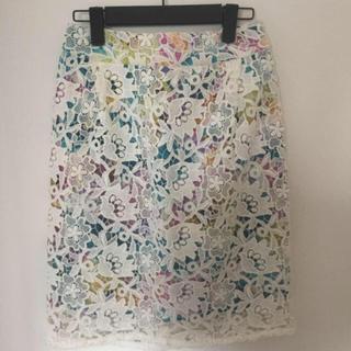 クイーンズコート(QUEENS COURT)のQUEENSCOURT 花柄スカート(ひざ丈スカート)